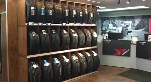 détaillants de toutes les plus grandes marques de pneus